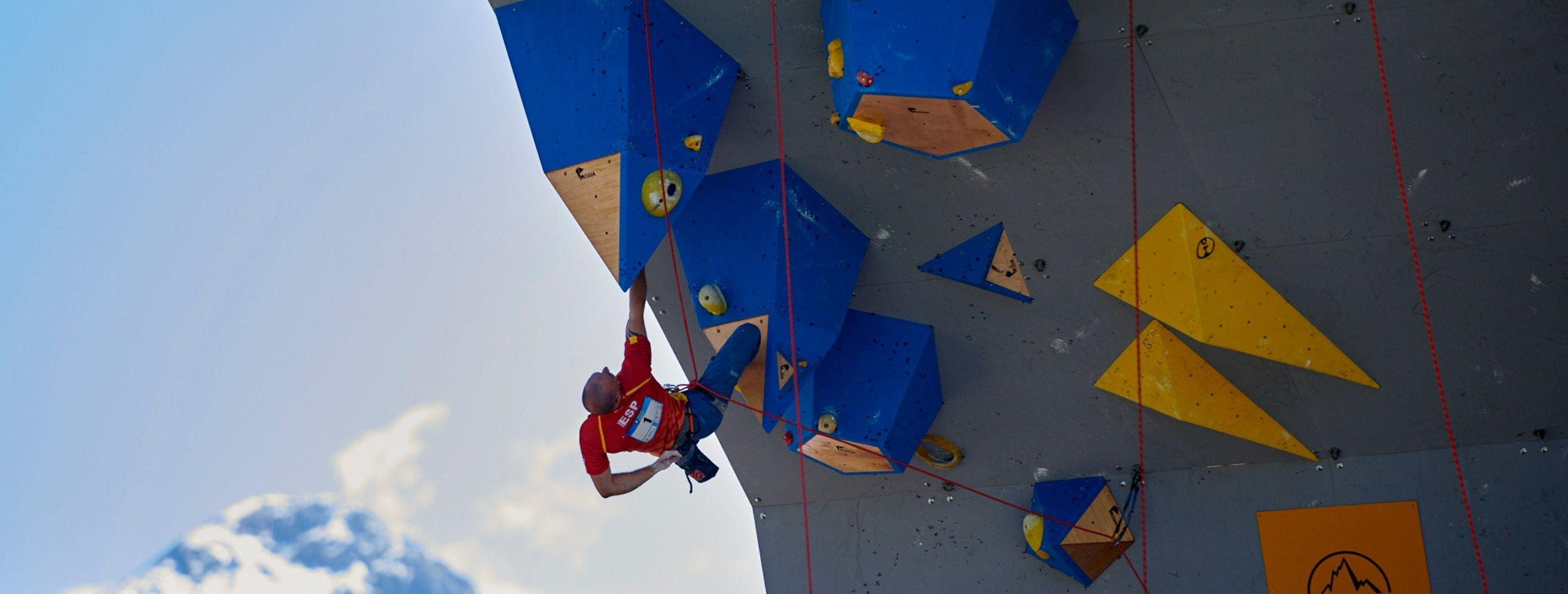 A Strong Start for the Paraclimbing World Championship